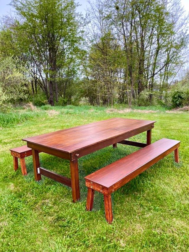 Where to find Hand Crafted Benches in Kearneysville
